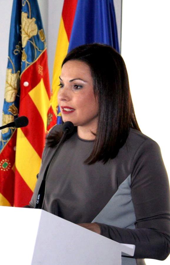 https://asecam.com/img/fotoPresidenta.jpg